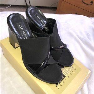 Black block heel 71/2